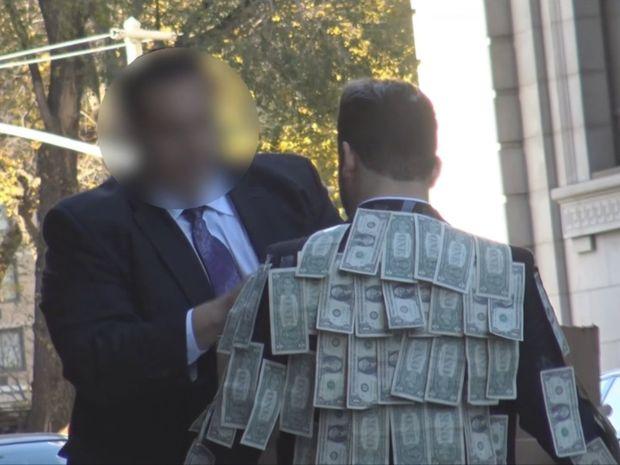 Τους είπε να πάρουν όσα χρήματα είχαν πραγματικά ανάγκη… Δε φαντάζεστε τι έκαναν! (video)