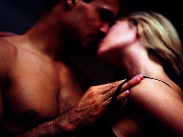 Κάνεις σεξ μαζί του; Σημάδια ότι μπορεί να είναι διεστραμμένος