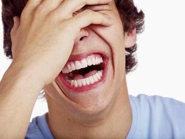 Γέλιο! Πώς μεταμορφώνει τη ζωή και τις σχέσεις σου