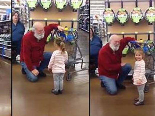 Απίστευτο! Αυτή η μικρούλα μπέρδεψε έναν άγνωστο άντρα με τον Άγιο Βασίλη! (video)