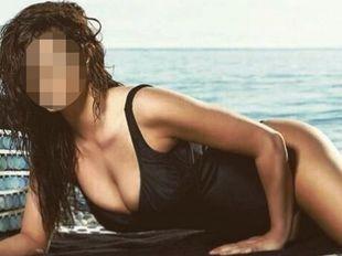 Hot Ελληνίδα δηλώνει: «Κάποτε θεωρούσα μειονέκτημα τον μεγάλο μου ποπό, τώρα πια όχι»