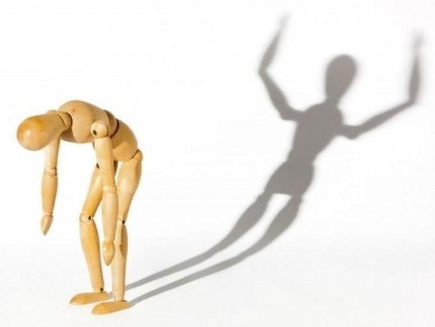 Διπολική διαταραχή: Τα συμπτώματα, το μανιακό και καταθλιπτικό επεισόδιο