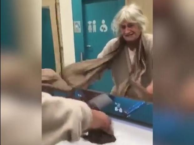 Ξεκαρδιστικό! Η γιαγιά χρησιμοποιεί για πρώτη φορά τον στεγνωτήρα χεριών! (video)