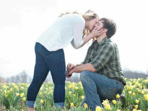 Μια διπλή πρόταση γάμου για καλό σκοπό!