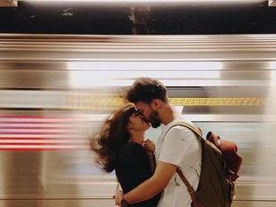 10 αδιαμφισβήτητα σημάδια ότι είναι κακός στο σεξ